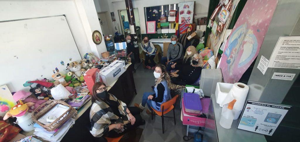 Beto Silva en el hogar Materno infantil Tribilin